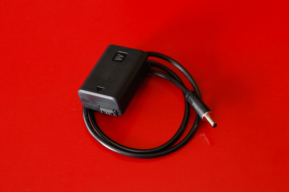 """SmallHD 5"""" Focus Monitor faux sony np battery cable"""